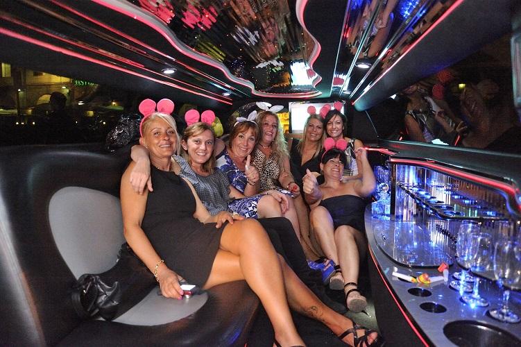 prezzi-noleggio-limousine-addio-al-nubilato