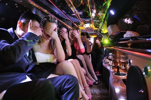 noleggio limousine roma 12 posti